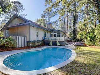 3BR w/ Private Pool - Walk to Beach