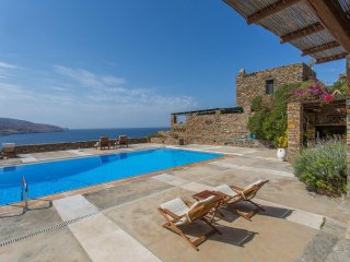 Stone villa, only a short walk from beach with private pool & amazing sea view!!