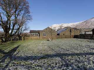 RIVER BANK COTTAGE, open-plan, all ground floor, conservatory, in Tebay, Ref. 91