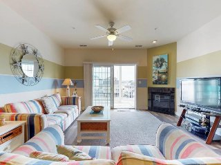 Spacious condo w/ balcony & partial bay views - walk to the beach & Boardwalk!