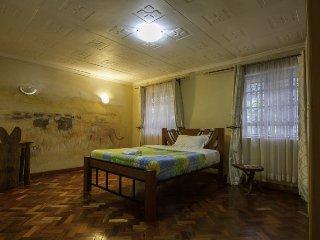 Runda Suites Superior King Nyati Room