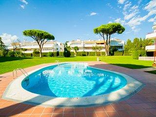 Apartamento con piscina cerca de la playa de Calella