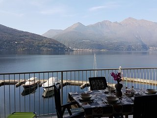 Riva Gabella 6 apartment in a residence with lake view