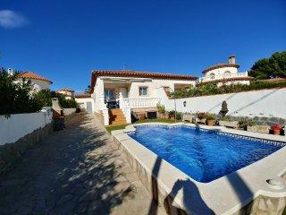 Villa Aurora con piscina