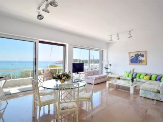 Direct Sea View Suite at Laimos!! Amazing Views - Walk to Beach & Amenities