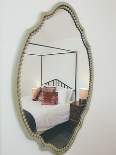 Four poster style in Annie Barn