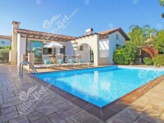 Cyprus Holiday Villa LOUISA Profile