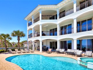Over the Top:New Summer Rates! gated community, private pool, close to beach!