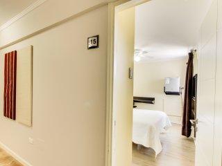 Conveniente habitacion de hotel c/wifi gratis-Convenient hotel room w/ free wifi