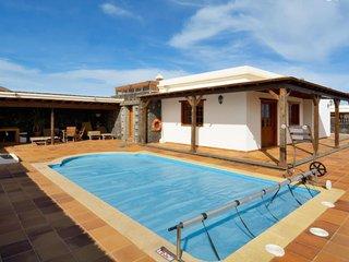 102820 -  Villa in El Islote