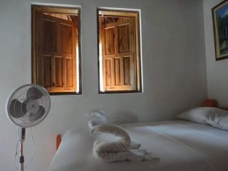 coin perdu guesthouse room 5