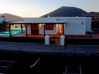 103083 -  Villa in San Bartolome