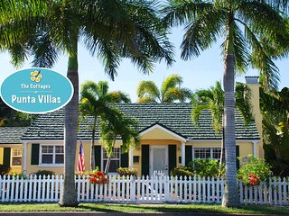 The Pineapple Cottage This historic home goes fast!