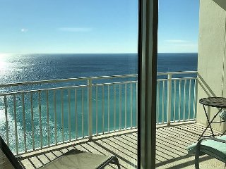 UNIT 2006! ALL RATES 20% OFF IN APRIL! CLOSE TO PIER PARK! GREAT VIEWS