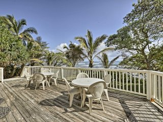 NEW! 'Grand Royal' 3BR Hauula Home- Steps to Beach
