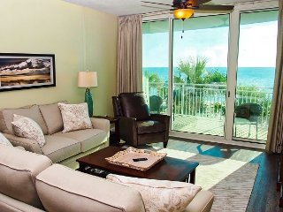 MEMORIAL DAY SALE! 2018 Aqua Platinum-Rated Condo, 2 Beach-Front Bedrooms