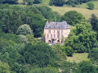 7 bedroom Chateau in Perpezac-le-Blanc, Nouvelle-Aquitaine, France - 5512937