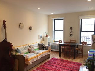 Beautiful room in Manhattan, two stops from Columbus Circle/59th Street!!!