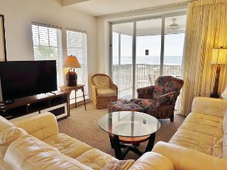 Relaxing 3 bedroom with direct beach view, C1224B