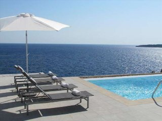 Villa in 1st Line of the Sea in Cala Pi- Private Pool- BBQ- Sea views. Air Condi