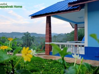 Mountain View Vacation Home Khaolak - Theppahrak Home