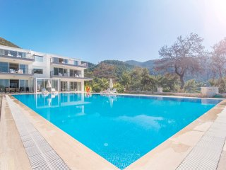 5 Bedroom Luxury Villa with Semi-Olympic size Swimming Pool in Islamlar Village