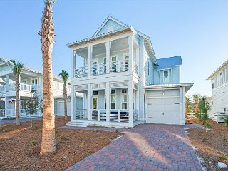 BOOK NOW for SUMMER! Brand-New 4BR steps from The Hub 30A with Golf Cart
