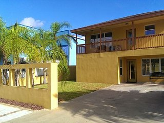 Spacious 5BR Duplex w/ 2 Separate Units & Private Pool - Walk to Beach