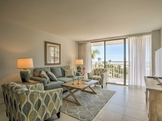 Oceanfront Marco Island Condo w/Pool & Gulf Views!