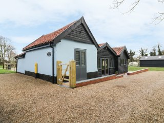 WHITEHANDS FARM, WiFi, open-plan living, all bedrooms en-suite, Ref 938543
