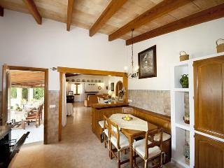 VILLA EMAZABEL.Airy bright and comfortable Villa perfect for your fam. holidays!