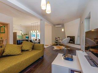 3 bedroom Villa in Rasopasno, Primorsko-Goranska A1/2upanija, Croatia : ref 556498