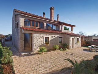5 bedroom Villa in Sisan, Istria, Croatia : ref 5564796