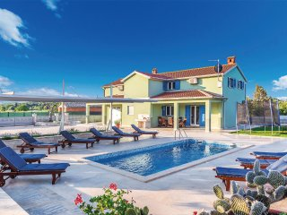 5 bedroom Villa in Rovinj, Istria, Croatia : ref 5564739