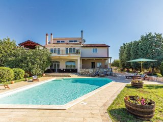 6 bedroom Villa in Fondole, Istria, Croatia : ref 5564625