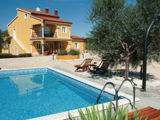 6 bedroom Villa in Vodnjan, Istria, Croatia : ref 5564547