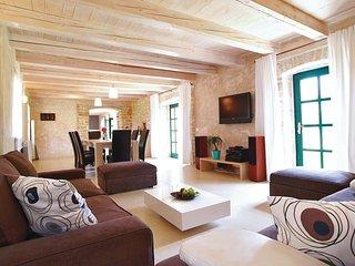 4 bedroom Villa in Ladici, Istria, Croatia : ref 5564451