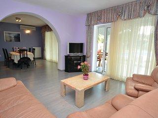 4 bedroom Villa in Cancini, , Croatia : ref 5564236