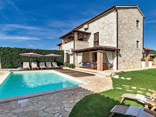 3 bedroom Villa in Filipini, , Croatia : ref 5564245