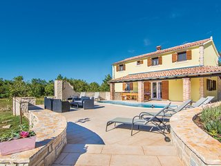 4 bedroom Villa in Manjadvorci, Istria, Croatia : ref 5564172