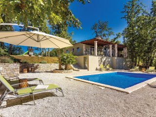 4 bedroom Villa in Sarici, Istria, Croatia : ref 5564173
