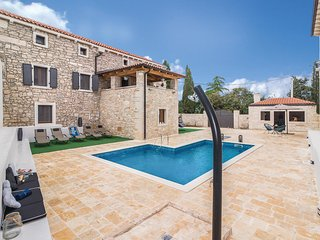 5 bedroom Villa in Korenići, Istria, Croatia : ref 5564138