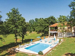 4 bedroom Villa in Butkovici, Istria, Croatia : ref 5564084