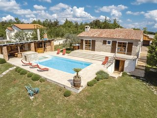 3 bedroom Villa in Pulici, Istria, Croatia : ref 5564111