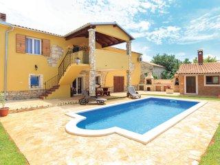 3 bedroom Villa in Krnjaloža, Istarska Županija, Croatia - 5564074
