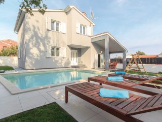 3 bedroom Villa in Banjole, Istria, Croatia : ref 5564024