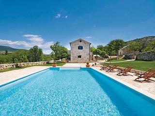4 bedroom Villa in Trbounje, Šibensko-Kninska Županija, Croatia : ref 5563717