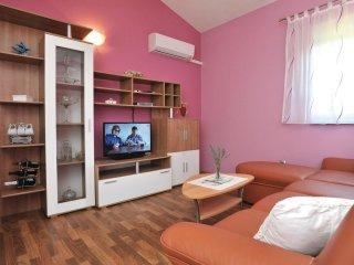 6 bedroom Villa in Sestanovac, Splitsko-Dalmatinska Zupanija, Croatia : ref 5563