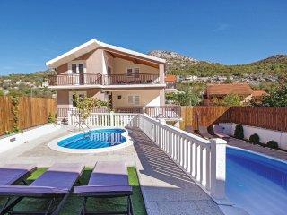 5 bedroom Villa in Zagvozd, Splitsko-Dalmatinska Županija, Croatia : ref 5562465