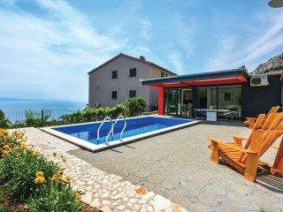 4 bedroom Villa in Zakucac, Splitsko-Dalmatinska Zupanija, Croatia : ref 5562003